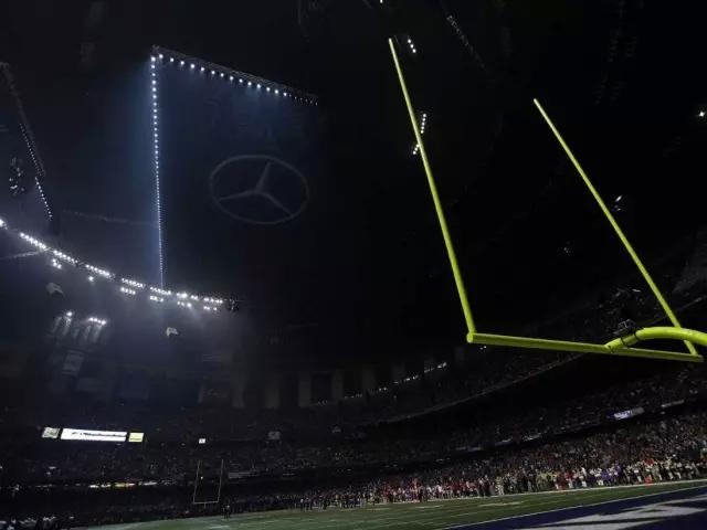 2013年2月3日,美國NFL超級盃賽場黑燈33分鐘