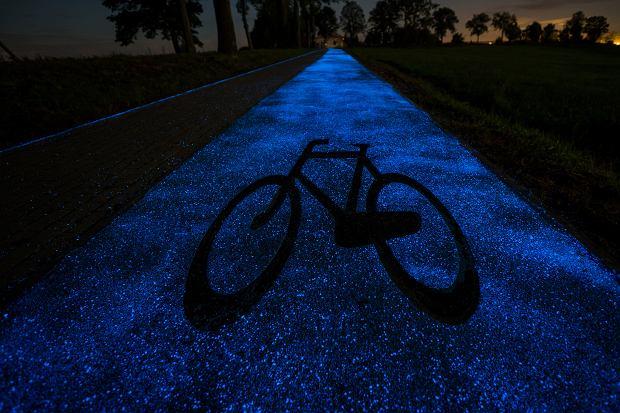 會發光的自行車道在波蘭啟用