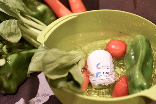 怕菜洗不乾淨? 工研院用「光」讓農藥現形